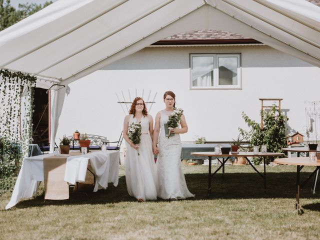 Zooey and Melanie's wedding in Winnipeg, Manitoba 3