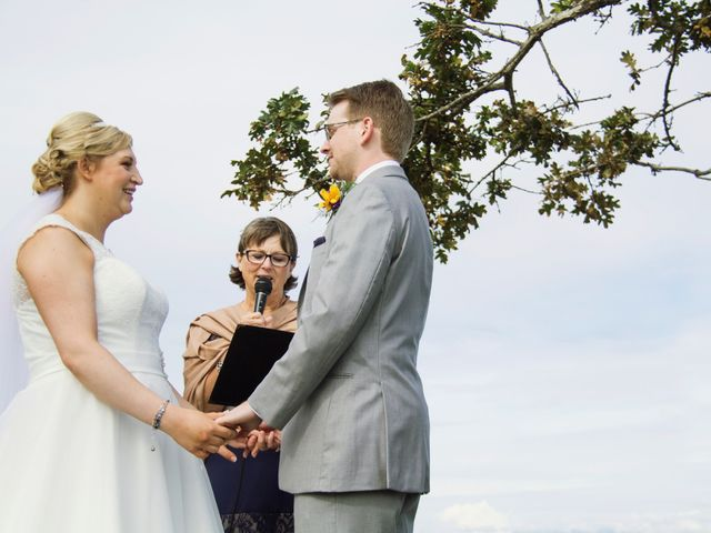 Timothy and Stephanie's wedding in Nanaimo, British Columbia 38