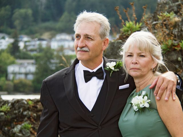 Timothy and Stephanie's wedding in Nanaimo, British Columbia 43