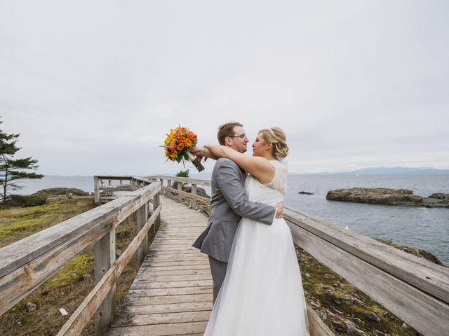 Timothy and Stephanie's wedding in Nanaimo, British Columbia 53