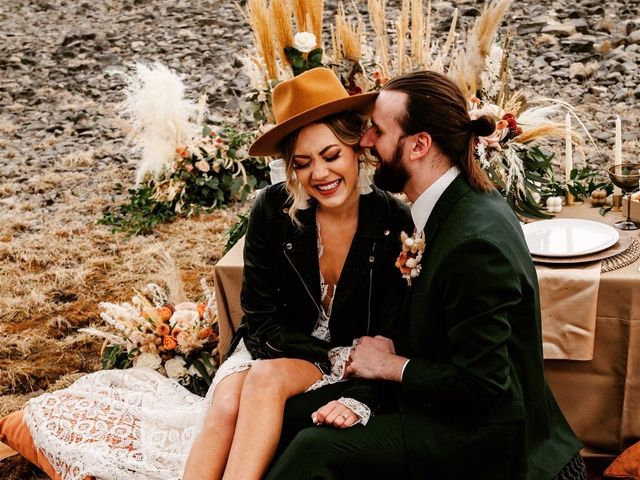 The wedding of Monika Oliver and Samuel Toth