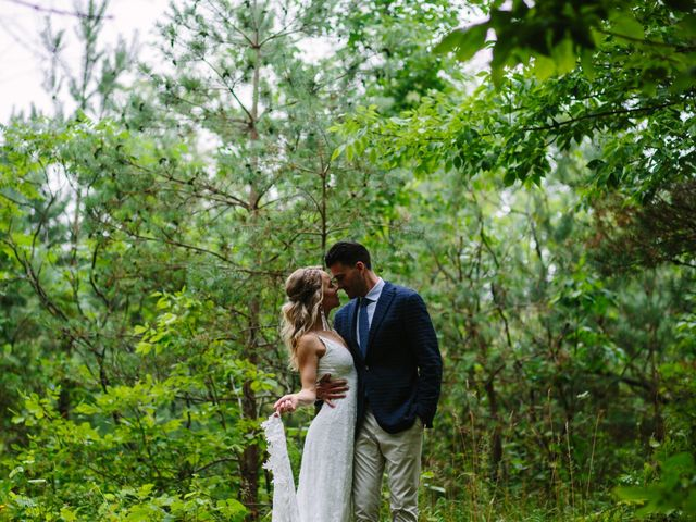 Alex and Taylor's wedding in Meaford, Ontario 28