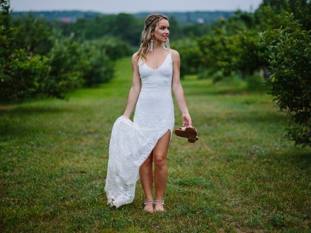 Alex and Taylor's wedding in Meaford, Ontario 40
