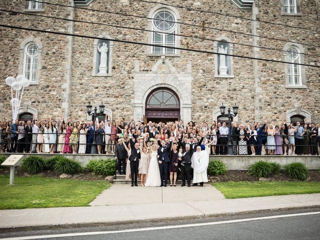 Philippe and Karine's wedding in Saint-Antoine-sur-Richelieu, Quebec 49