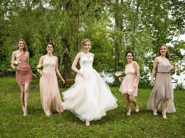 Philippe and Karine's wedding in Saint-Antoine-sur-Richelieu, Quebec 56