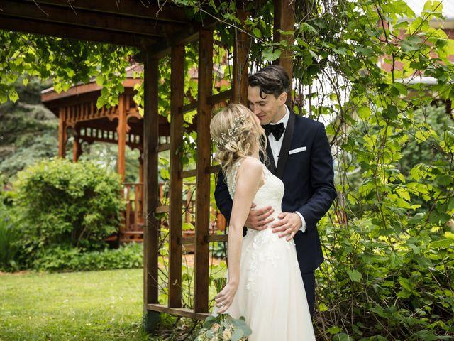 Philippe and Karine's wedding in Saint-Antoine-sur-Richelieu, Quebec 59
