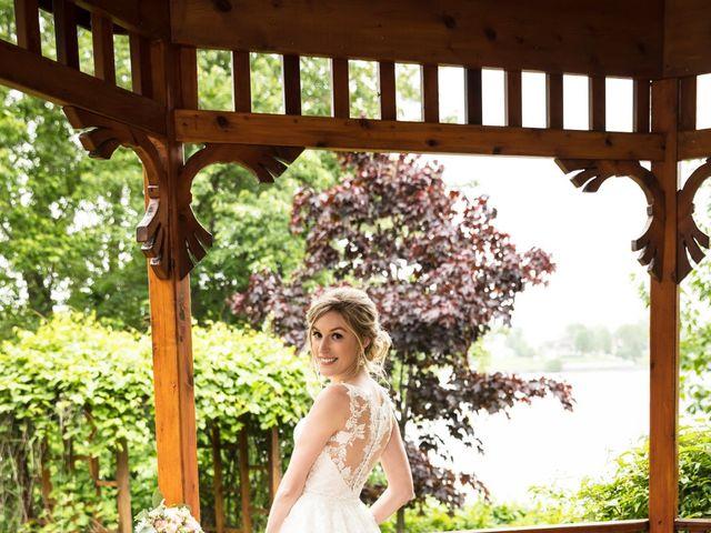 Philippe and Karine's wedding in Saint-Antoine-sur-Richelieu, Quebec 64