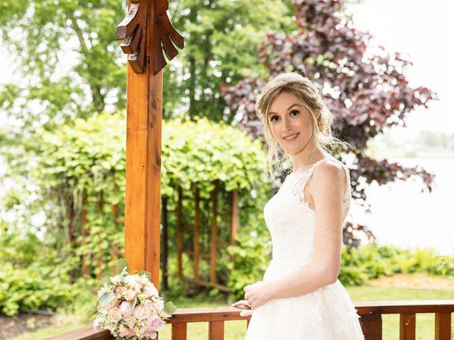Philippe and Karine's wedding in Saint-Antoine-sur-Richelieu, Quebec 65