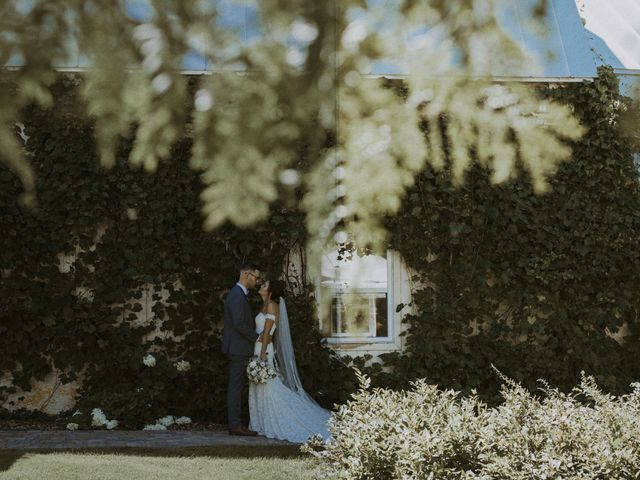 Jonathan and Audrey's wedding in Saint-Charles-sur-Richelieu, Quebec 11