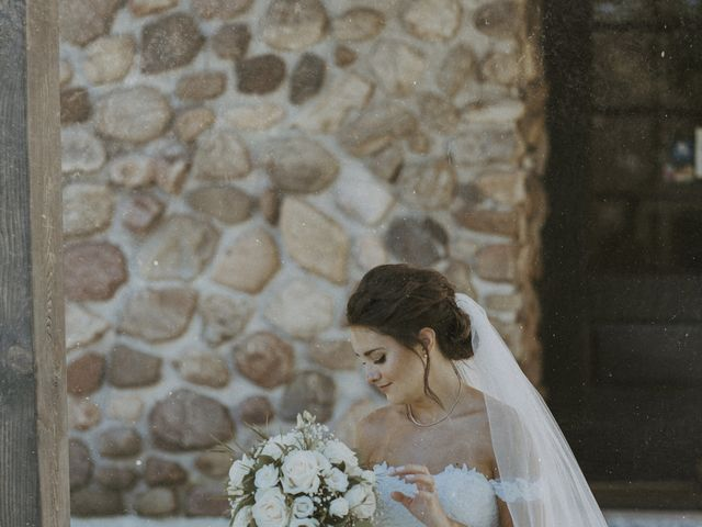 Jonathan and Audrey's wedding in Saint-Charles-sur-Richelieu, Quebec 16