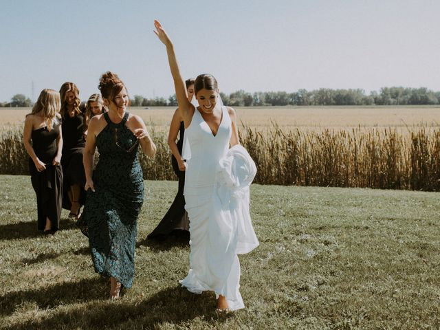 Alexandre and Catherine's wedding in La Prairie, Quebec 19