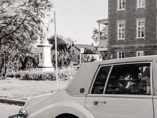 Alexandre and Catherine's wedding in La Prairie, Quebec 41