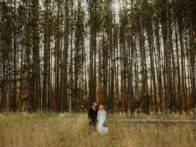 Dylan and Janelle's wedding in Steinbach, Manitoba 11