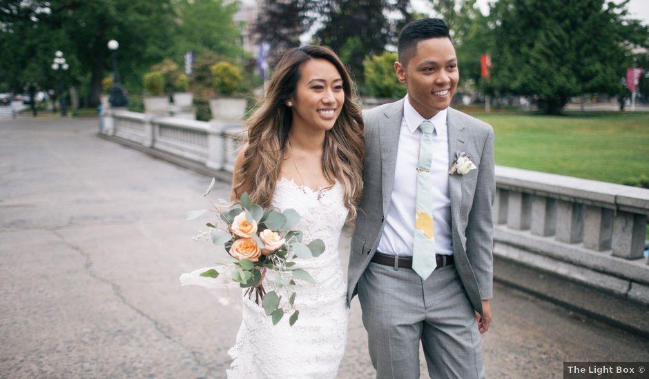 Juleonie Louise and Brent's wedding in Victoria, British Columbia