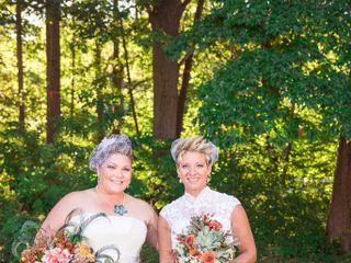 Tama Lynn and Amanda's wedding in Niagara Falls, Ontario 14