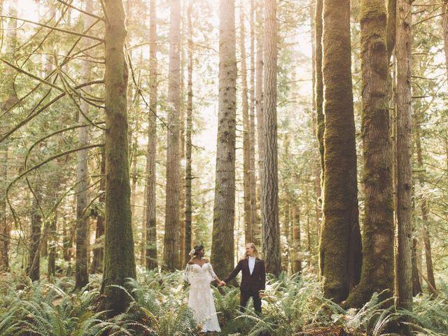 Spencer and Shasha's wedding in Sooke, British Columbia 3