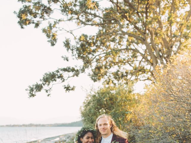 Spencer and Shasha's wedding in Sooke, British Columbia 4