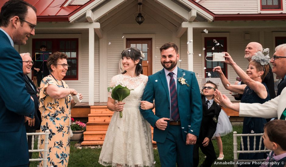 Jason and Gloria's wedding in Otterburn Park, Quebec