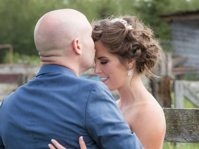 Kyle and Laura's wedding in Edmonton, Alberta 40