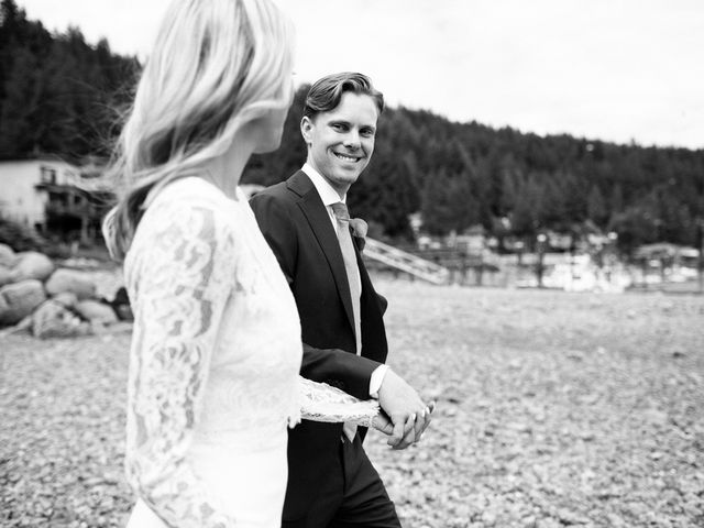 Mike and Alyssa's wedding in West Vancouver, British Columbia 20