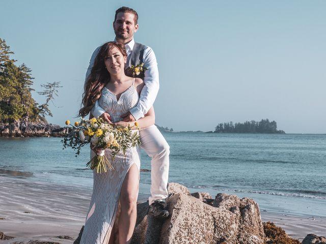 Lucas and Silvana's wedding in Tofino, British Columbia 32