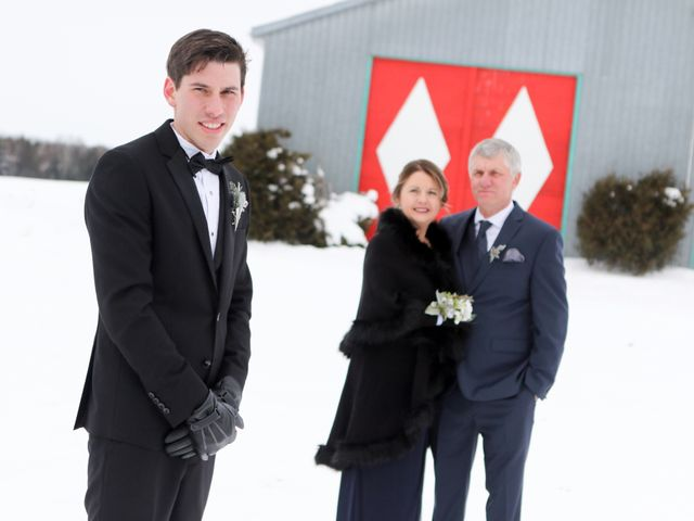 Andrew and Megan's wedding in Kingsey Falls, Quebec 20