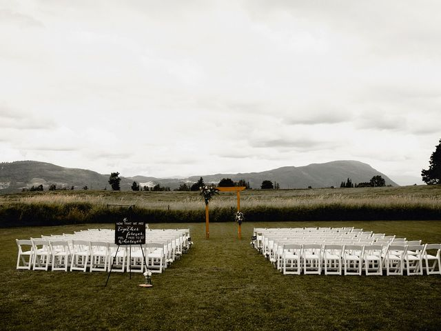 Jess and Brent's wedding in Abbotsford, British Columbia 23