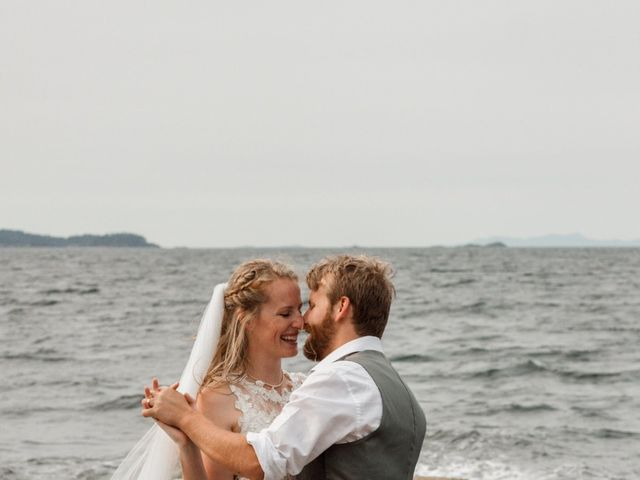 Brody and Ally's wedding in Gabriola, British Columbia 2