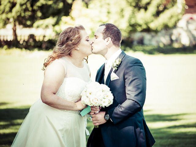 Todd and Yvonne's wedding in Burlington, Ontario 22