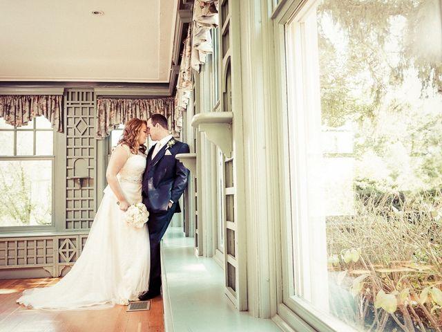 Todd and Yvonne's wedding in Burlington, Ontario 39