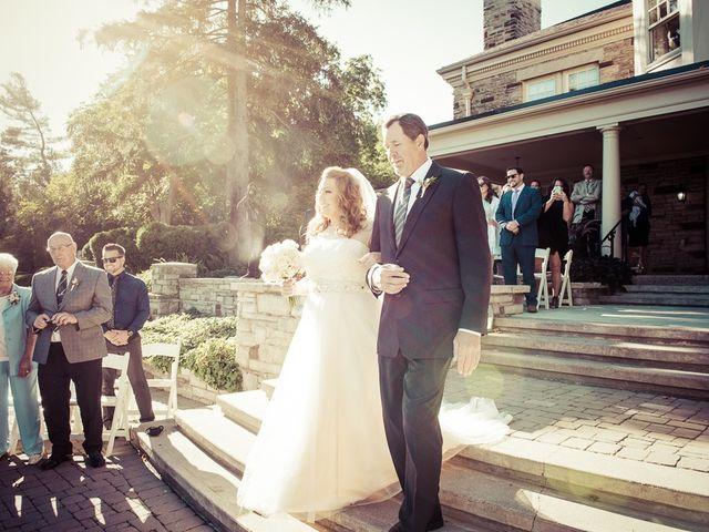 Todd and Yvonne's wedding in Burlington, Ontario 46