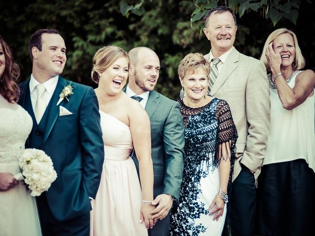 Todd and Yvonne's wedding in Burlington, Ontario 62