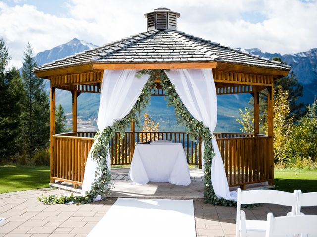 Riley Frame and Kimberly White's wedding in Canmore, Alberta 48