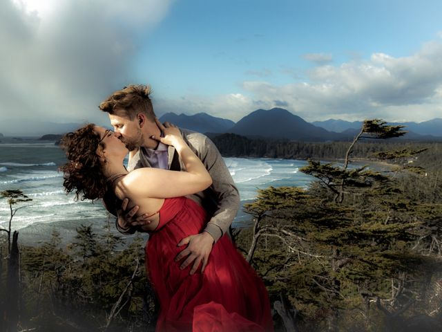 Riley and Brianne's wedding in Tofino, British Columbia 6