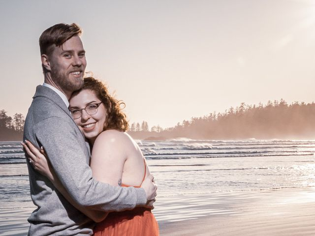 Riley and Brianne's wedding in Tofino, British Columbia 15