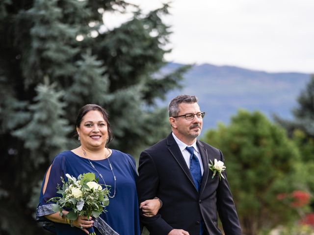 Dan and Michele's wedding in Kelowna, British Columbia 35