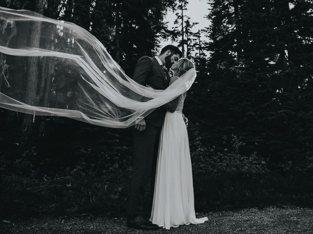 Dillon and Courtney's wedding in Courtenay, British Columbia 24