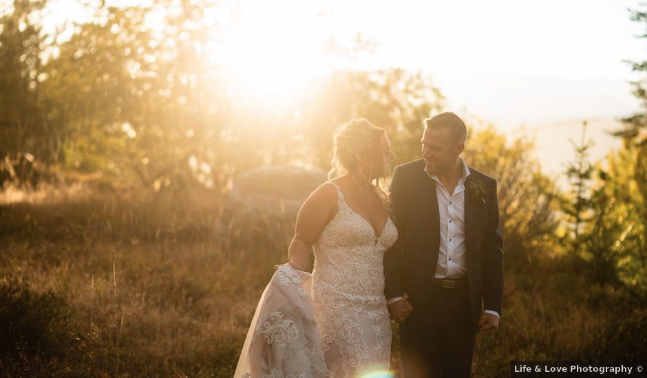 Rich and Kate's wedding in Penticton, British Columbia