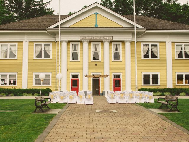 Tom and Brittany's wedding in Fort Langley, British Columbia 4