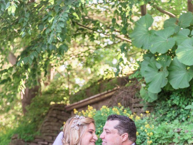 Gustavo and Andrea's wedding in Niagara Falls, Ontario 11