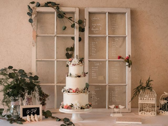 Jordan and Alex's wedding in Grenville-Sur-La-Rouge, Quebec 4