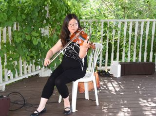Auspicious Melody - Violinist 3