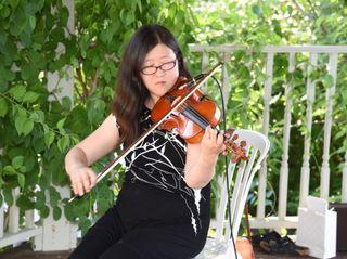 Auspicious Melody - Violinist 4