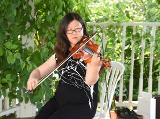 Auspicious Melody - Violinist 5