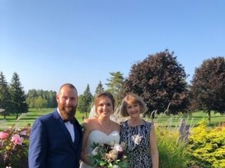 Suzanne Myers, Professional Celebrant & Wedding Officiant 2