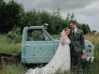 Woodland + Wildflower Weddings at RavenRidge 4