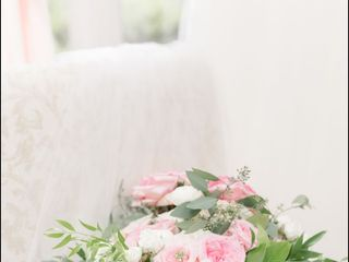 First Comes Love Weddings & Floral Designs 4