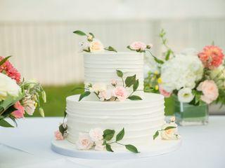 Finespun Cakes & Pastries 4