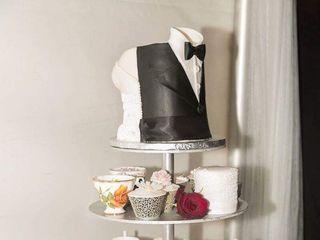 Yvonne's Delightful Cakes 7