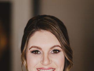 Victoria Barrett Makeup & Hair Artistry 7